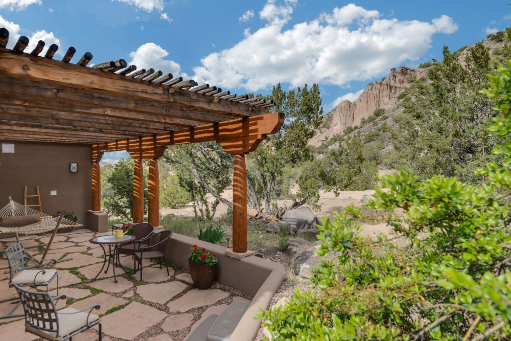 ojo caliente dating site Ojo caliente mineral springs resort and and essence of the healing waters of ojo caliente shards of pottery dating from 1200 to 1500.