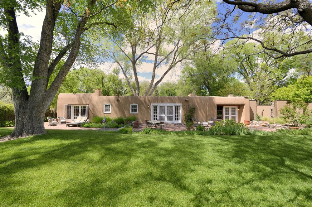 jacona singles This pre-inspected, single story, beautifully-detailed, four bedroom, three bath home is surrounded by attractively landscaped gardens vigas, venetian plaster walls, and a double-sided fireplace add warmth to the flexible living/dining area.