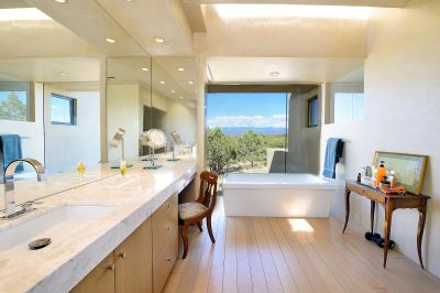 Well-Appointed Master Bathroom