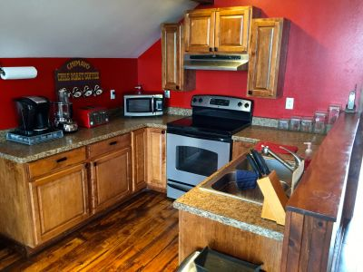 Barn Bunkhouse Kitchenette