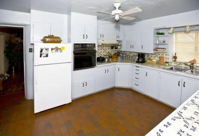 Gloriana's House - Kitchen
