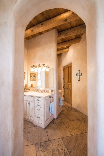 Archway in Bath Suite