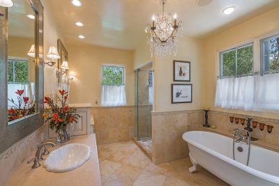 Owners' Bath