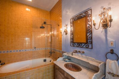 Bathroom - Guest Suite #1