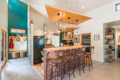Entertaining kitchen or breakfast bar