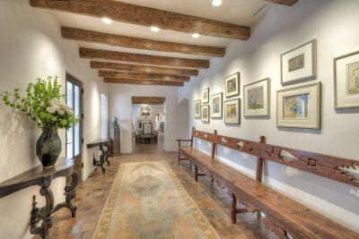 Main Residence - Foyer