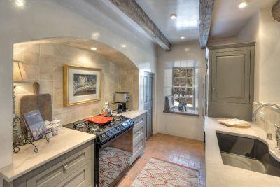 Guest House & Studio - Kitchen