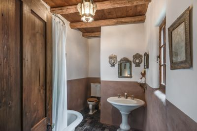 Free-Standing Studio Bathroom