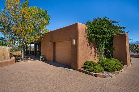 Gate House - One Car Garage