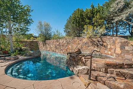 Heated Pool w/Spa & Water Feature