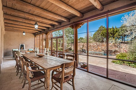 Enclosed Dining Portal w/Fireplace