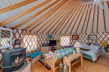 Yurt - With 3/4 Bath and Kitchen