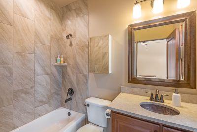 Guest Bath 2 with Tub
