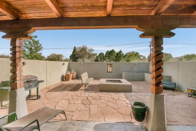 Outdoor private patio with Extended Overhang