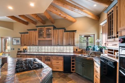 Beautiful Craftsman Architectural features
