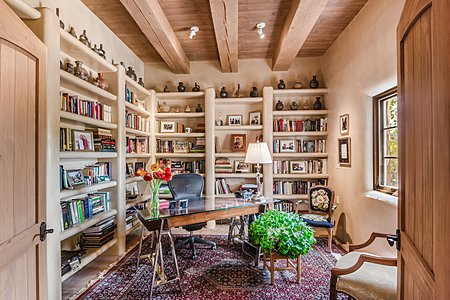 Library in the Owners' Suite