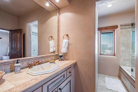 Guest House - En Suite Bath of Guest Suite Two