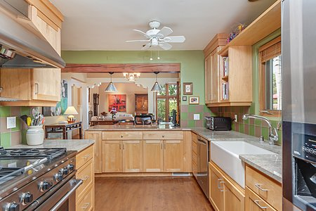 Chef's Kitchen with High-end Appliances...