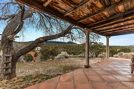Expansive Portal with Spectacular Mountain Views