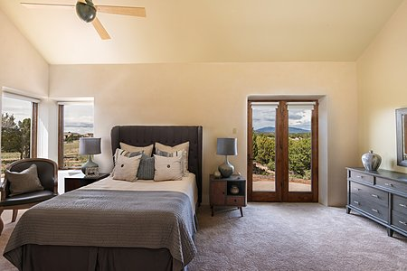 Guest Suite #2 with en-suite bath