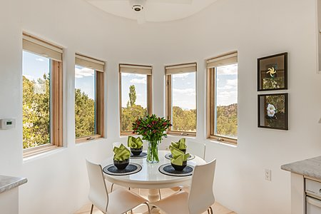 Eat-in Breakfast Area with Views