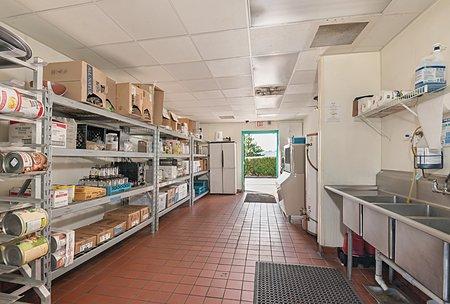 Ample Interior Storage / Shelving