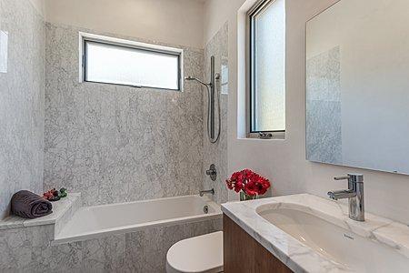 ...and En Suite Bath