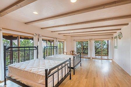 Casita second floor/bedroom