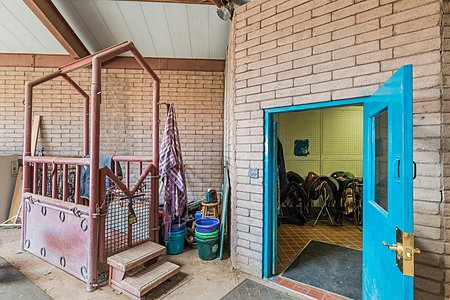 Large Breeding Stock / Veterinary Clinic
