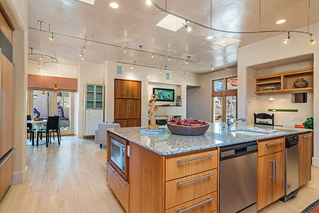 Chef's Kitchen ideal for entertaining
