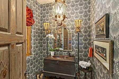 High-end Design in the Powder Room