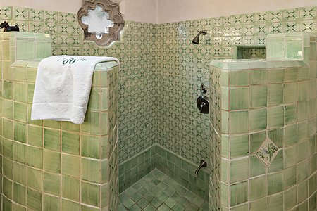 Step Down tiled combination Tub/Shower