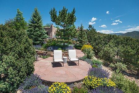 Exquisite Gardens with Extraordinary Vistas