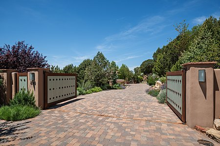 Gated and Heated Driveway with Porphyry Stone Pavers