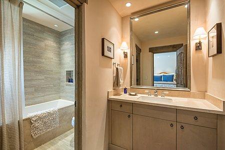 ...and an En Suite Bathroom