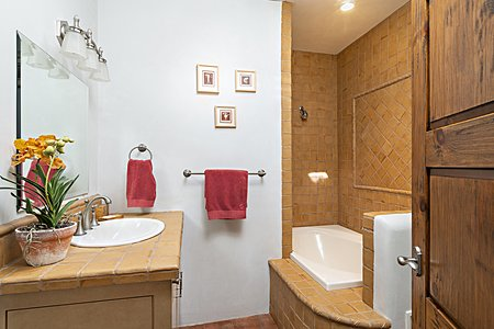 Guest Bedroom #1 w/En-Suite Bath
