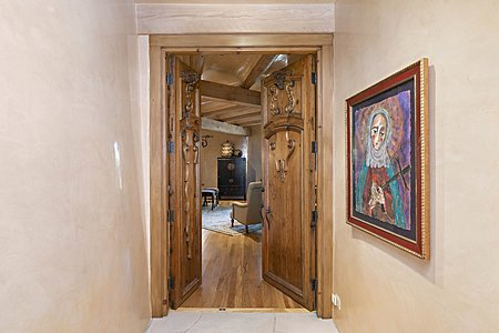 Approach to master suite