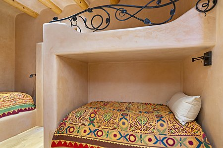 Gate house guest bunk bed room