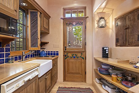 Gate house kitchen